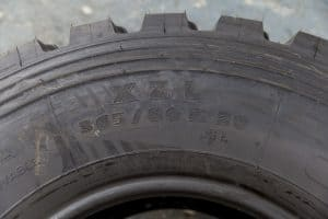 Replacing Unimog tyres in Morocco
