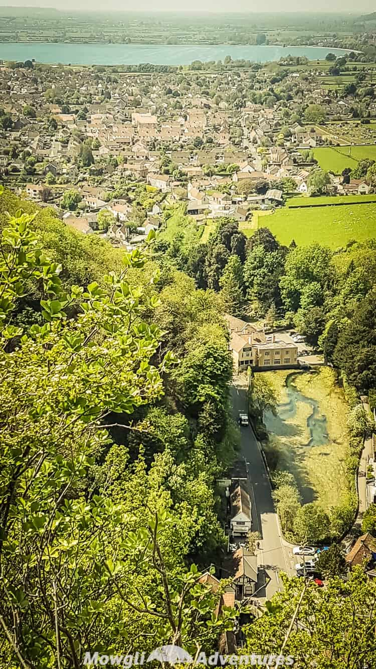 Cheddar Gorge cliff top walk is an exhilarating 3 mile route that will blow your mind with stunning views and dramatic landscapes.