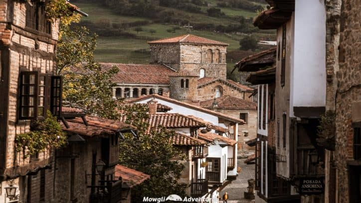If you're planning a road trip in Spain, then look no further! We've detailed the perfect Northern Spain road trip itinerary! A must read! #RoadTrip #Spain Read the full article here: //mowgli-adventures.com/perfect-northern-spain-road-trip-itinerary/