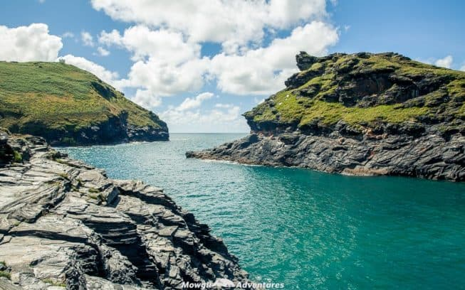 These most scenic drives in Cornwall will inspire your next driving holiday with empty country lanes, stunning coastlines and pretty clifftop villages. #Cornwall #England #ScenicDrives Read the full article here: //mowgli-adventures.com/scenic-drives-in-cornwall/