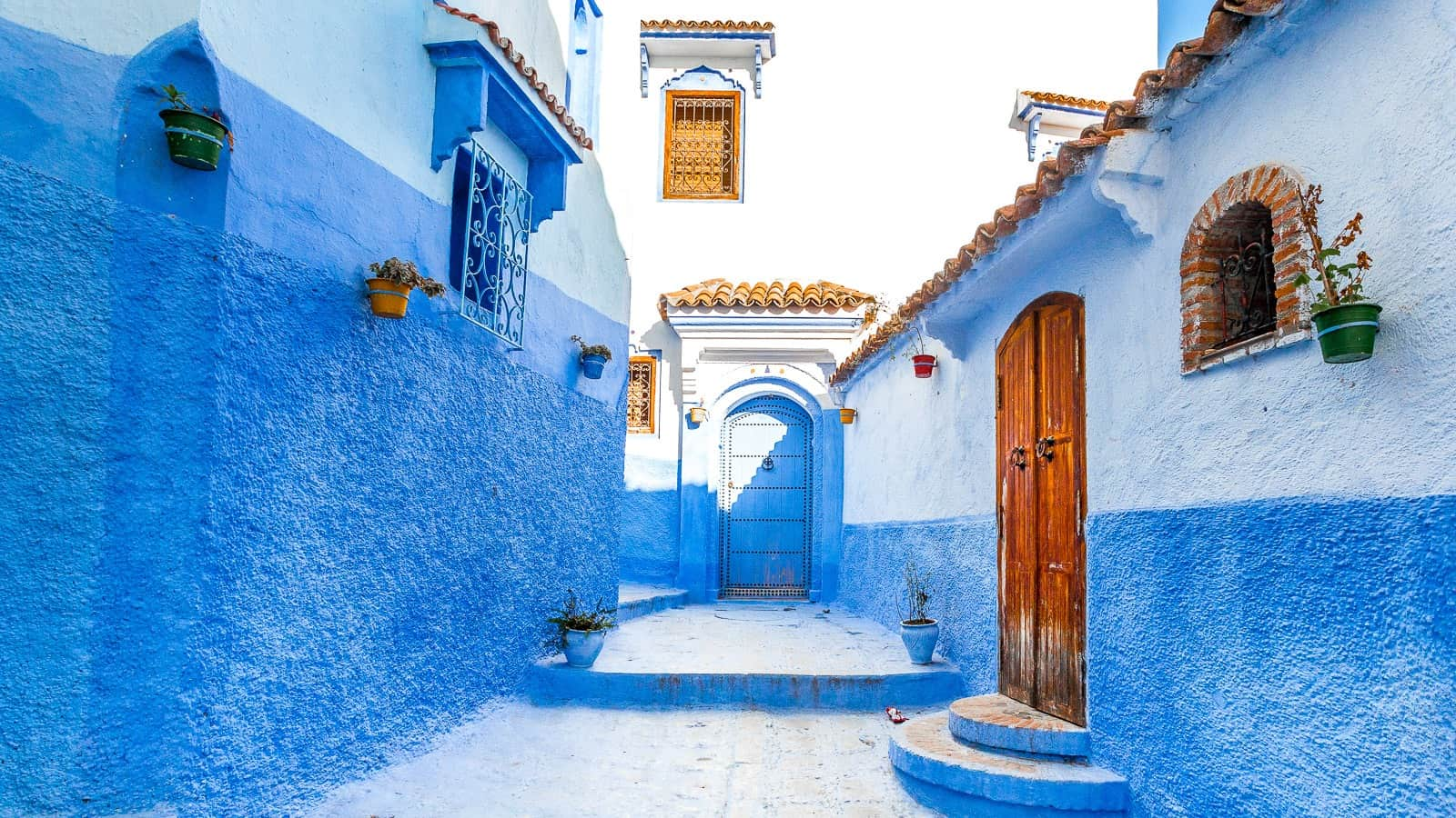 exploring the blue city of chefchaouen