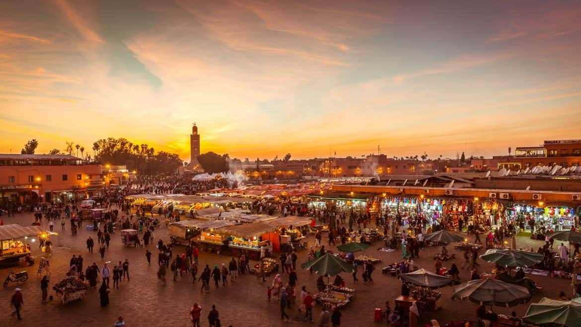 A comprehensive Morocco travel guide with tips and advice on things to do, see, camping locations, scenic drives and road trip itineraries. #Morocco #Travel #TravelGuide Follow the link for the full guide: //mowgli-adventures.com/morocco-travel-guide/