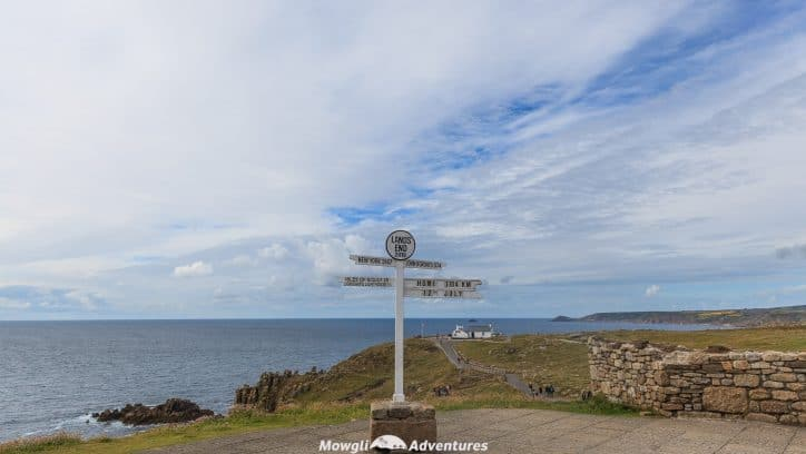 Whether you're visiting from afar, or discovering more of your own wonderful country, Cornwall is a terrific county to explore. To help you chose your top things to do and places to visit in Cornwall, we've handpicked our ten favourites. #Cornwall #England Read the full article here: //mowgli-adventures.com/top-10-places-to-visit-in-Cornwall