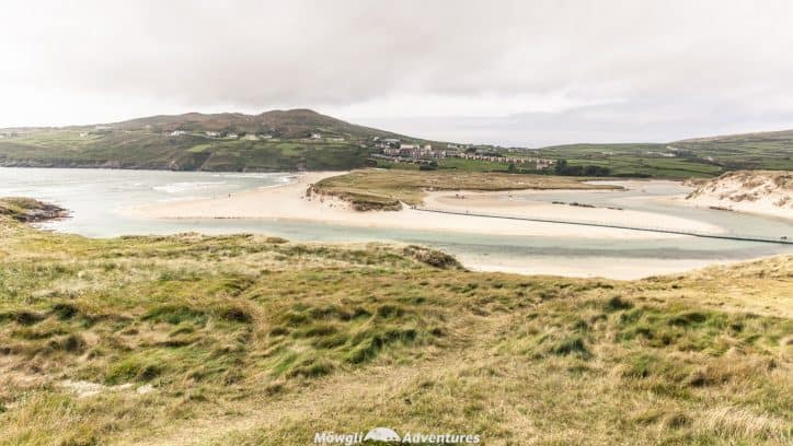 15 incredible things to do in Cork – Ireland - Wild Atlantic Way - a great list of things to see and do! From rugged cliffs tops, stunning beaches, colourful villages and a wild peninsulas, touring Cork won't disappoint. #WAW #WildAtlanticWay #WestCork Read the full article here: //mowgli-adventures.com/things-to-do-in-cork-ireland/