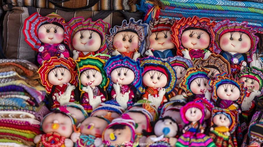 Tarabuco Sunday market - colourful crafts