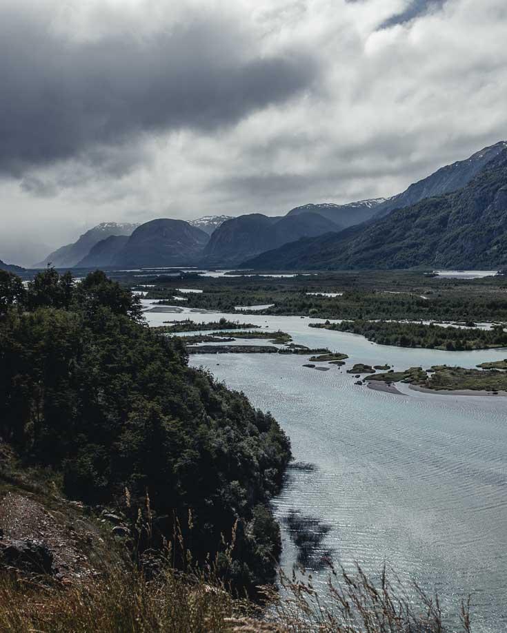 the phenomenal mountain views towards glacier exploradores