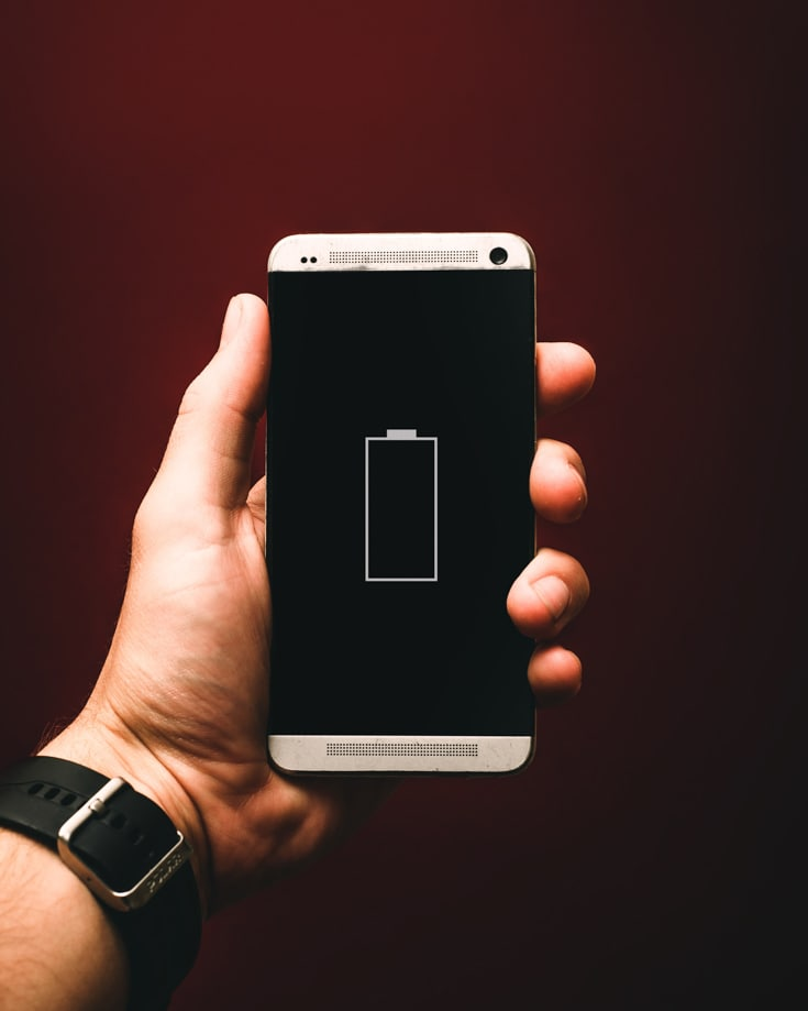 monitoring battery level on a phone