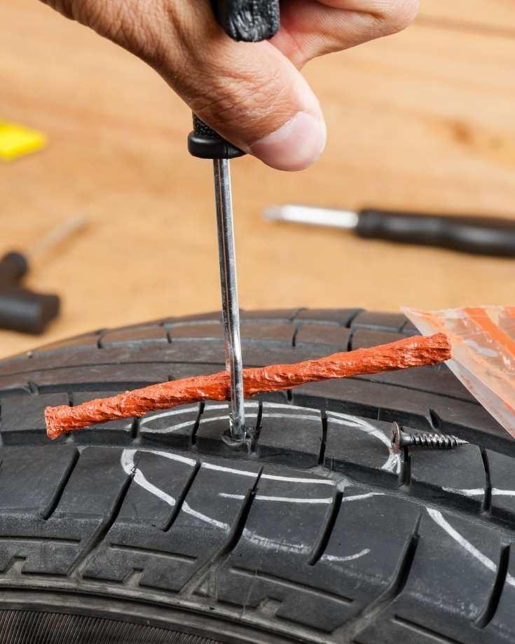 Tyre repair kit - plug