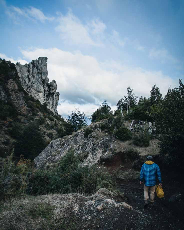 hiking to piedra del aguila in futaleufu