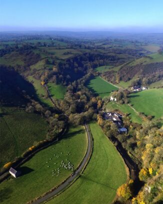 thor's cave walk and manifold valley