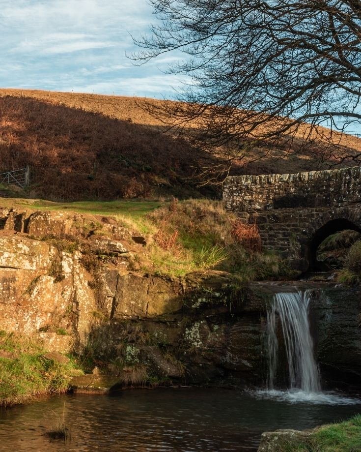 packhorse stone bridge at three shires head in the peak district